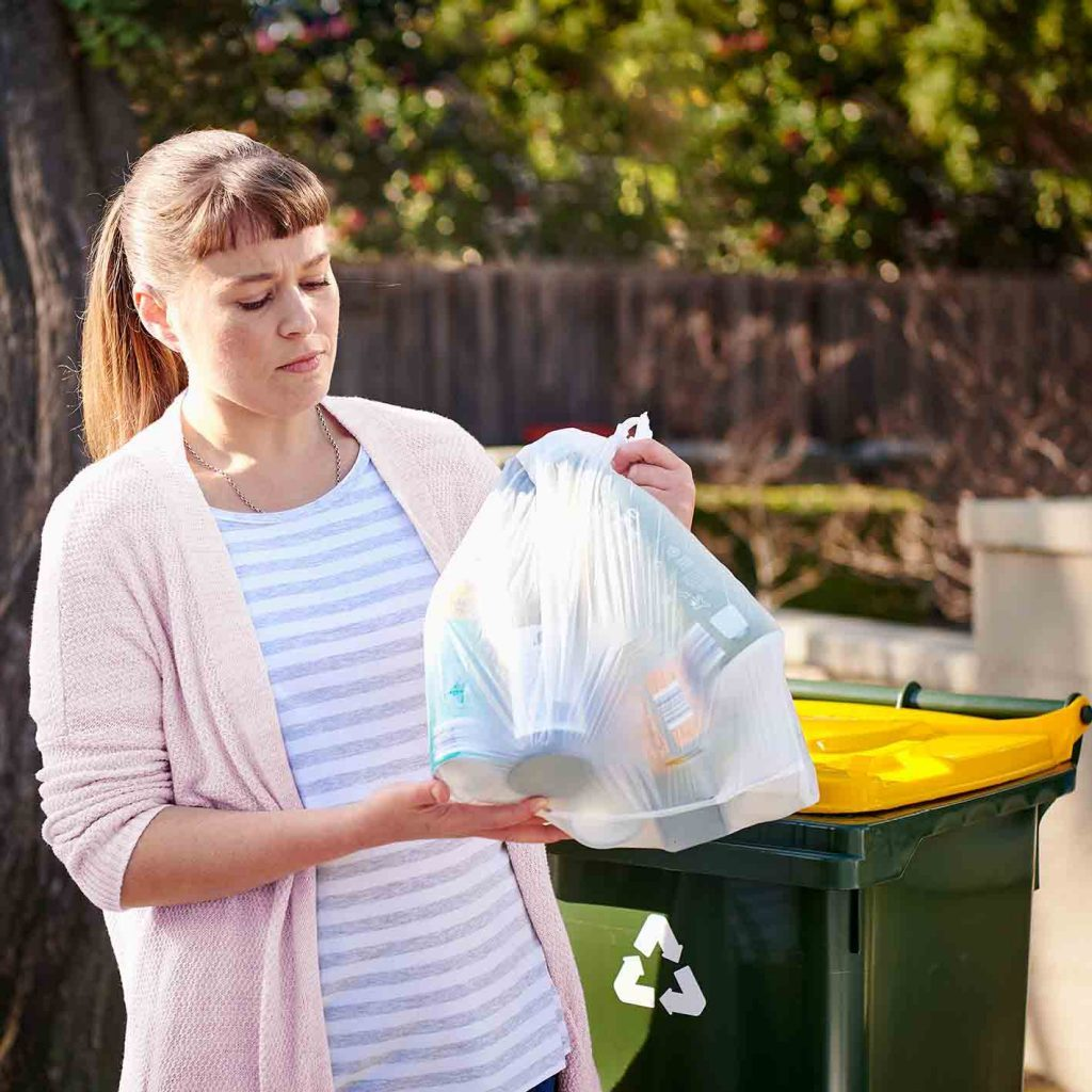 Bagged-recycling-with-yellow-lid-recycling-bin_sml_square
